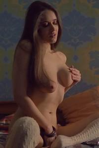 Model Emily J in WiFi 2